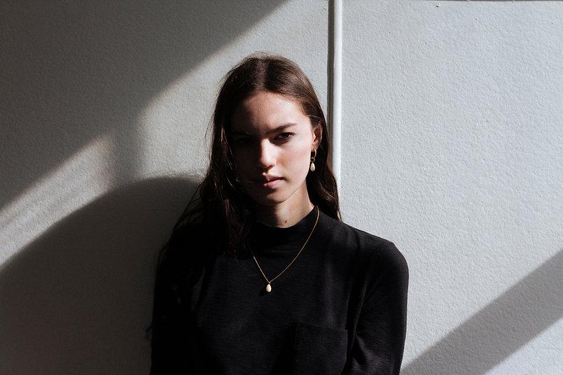 Crushes_Mila-Pearl-Earrings-firstedits-4