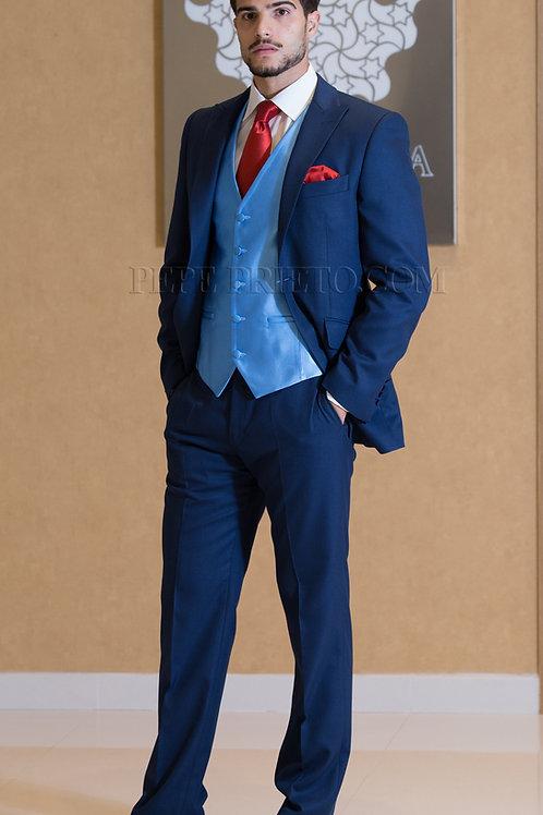 Traje de novio en azul medio de lana fria.