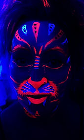 UV TIGER FACE PAINT