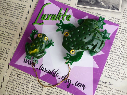 Toads! Jumbo & Mini Toad Brooch - Vintage Inspired Pinup Pins by Luxulite