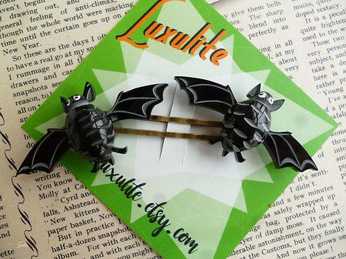 Batty Bats! Vintage Bakelite Fakelite Inspired Pinup Halloween Hair Slides Barre