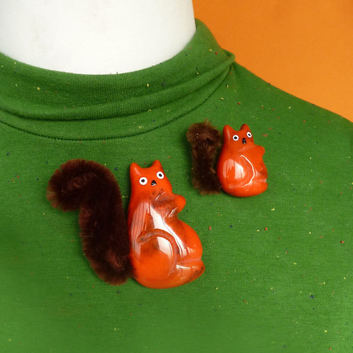 Floof-tail Squirrel Friends! Jumbo and Mini Red Squirrel Brooch Set