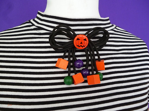 Halloween Jack O' Latern Kitschy Cord Bow - Pumpkin Novelty Bow Pin Brooch