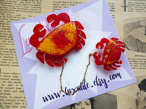 Don't Worry, be Crabby! Red Novelty Brooch Set