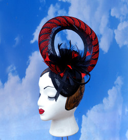 Red Feather Black Window Racing Ascot Hat (1)