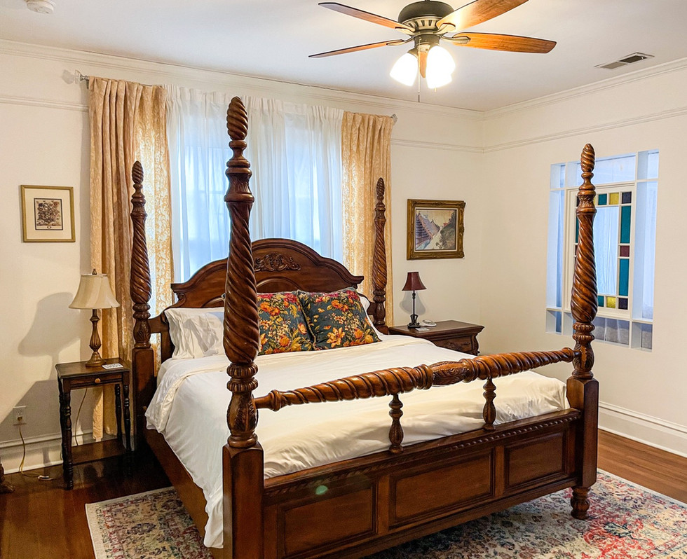St Avold Suite at the MacPherson House Bed and Breakfast
