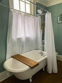 Fayetteville Bed & Breakfast Bathtub .jp
