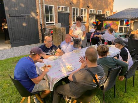 Een barbecue met de vriendenkring
