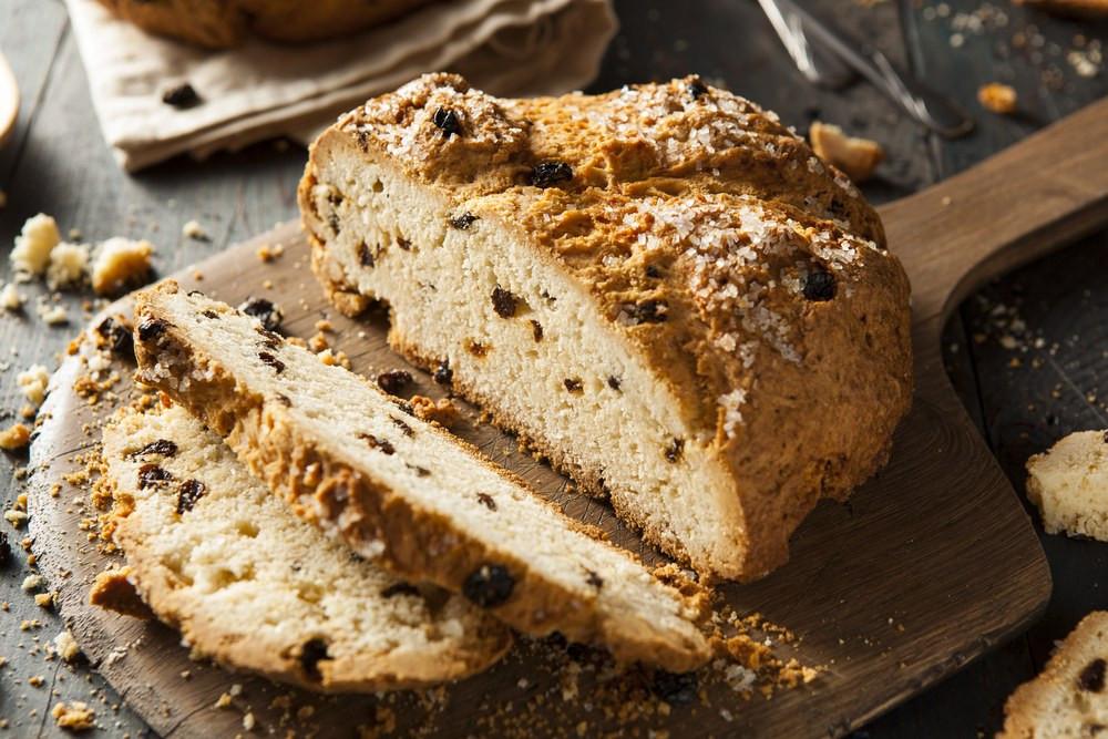 irish-soda-bread-with-raisins.jpg