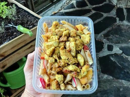 Recette - Salade de pâtes, fruits et poulet curry
