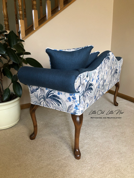 Floral/Navy Settee