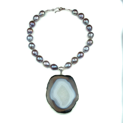 Akoya Pearl and Agate Necklace