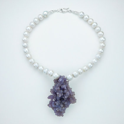 Agate and Akoya Pearl Necklace