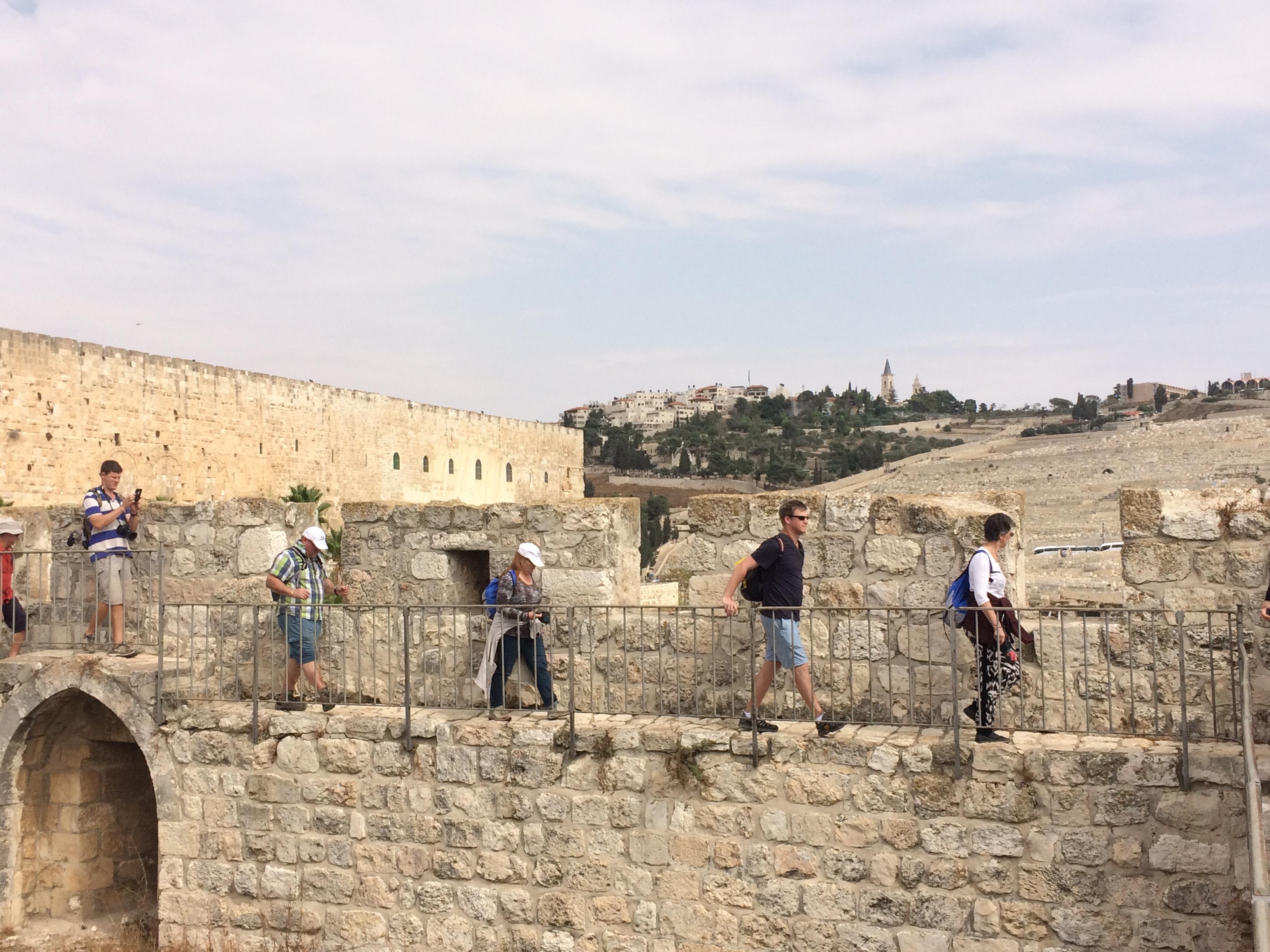 Walking the city walls
