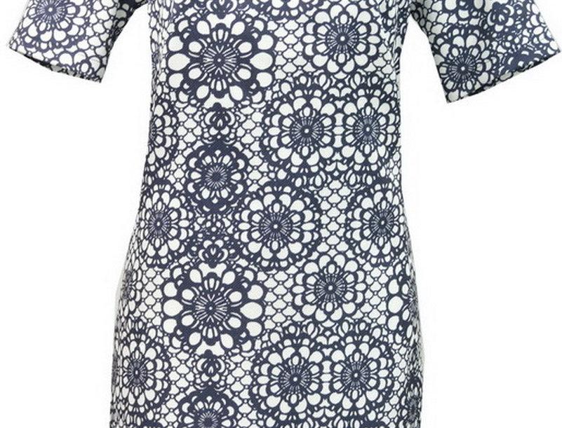 27A8895 Short Sleeve Shift Dress (NAVY DAISY)