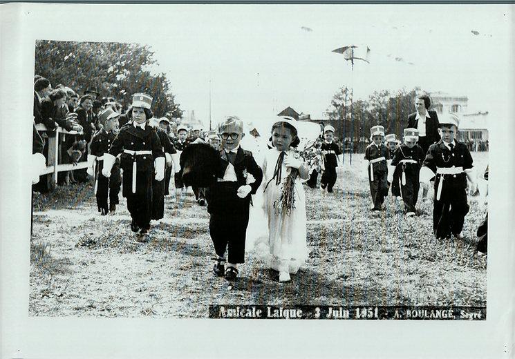 Jeunes enfants défilé-.JPG