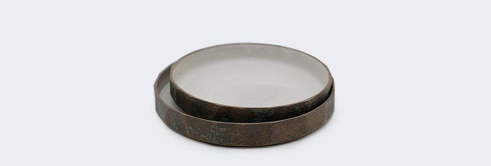 稜角白釉碟 Black Clay Plate