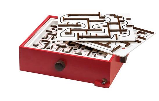 Jeu de labyrinthe et 2 planches de jeu