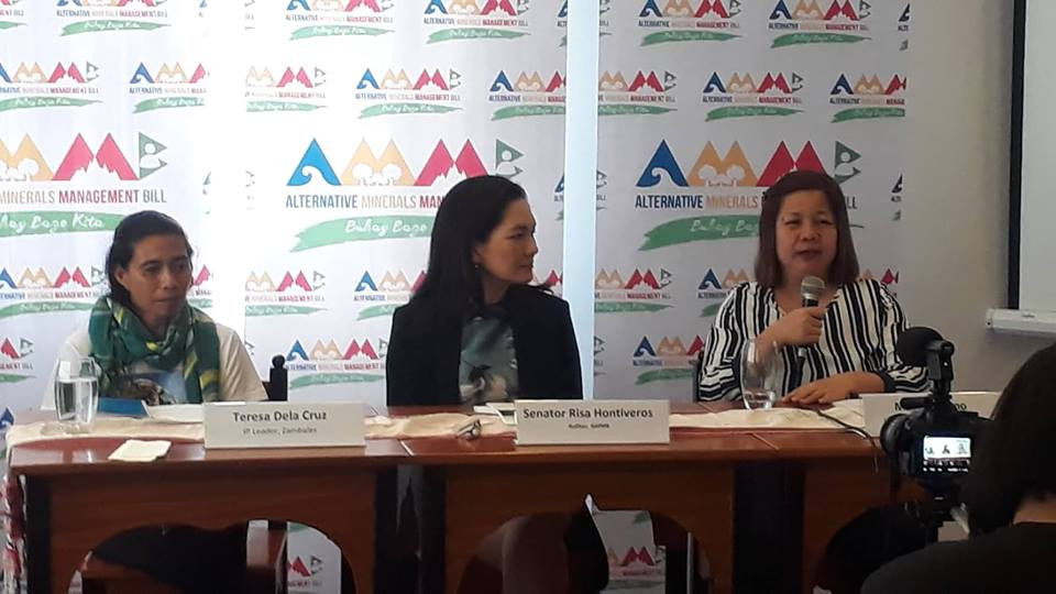 From left to right: Teresa de la Cruz, Senator Risa Hontiveros, and Malou Verano, the main speakers of Sa Pusod ng Dusa.