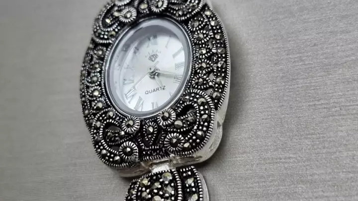 Часы из серебра 925 пробы