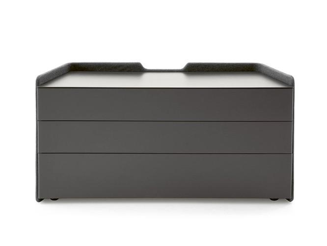 Chloé Dresser