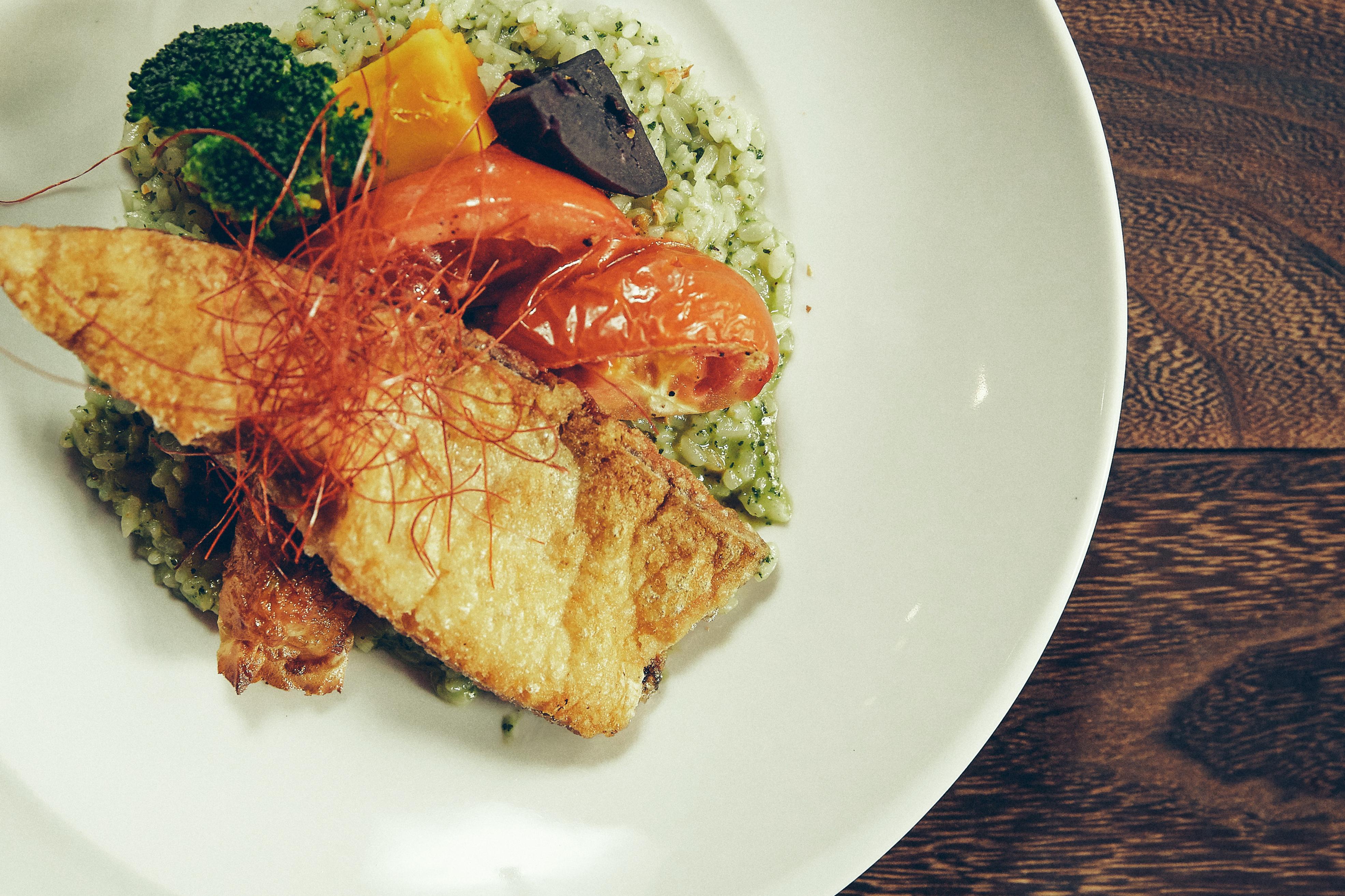 台南虱目魚青醬燉飯搭蝦捲