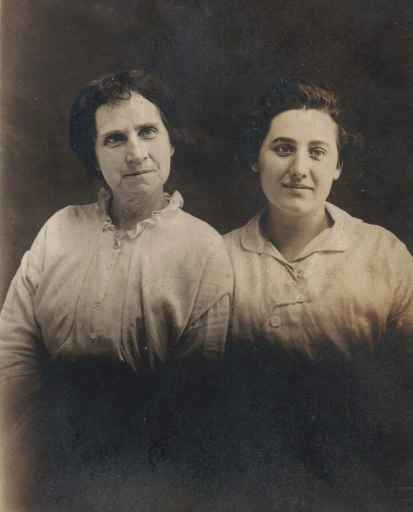 Bessie Short and Evaline Townley Peak