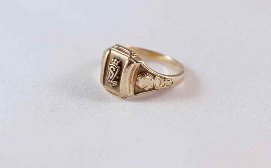 Another view of the Columbus South High School 1996 Senior Ring