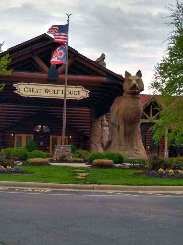 Entrance to Great Wolf Lodge