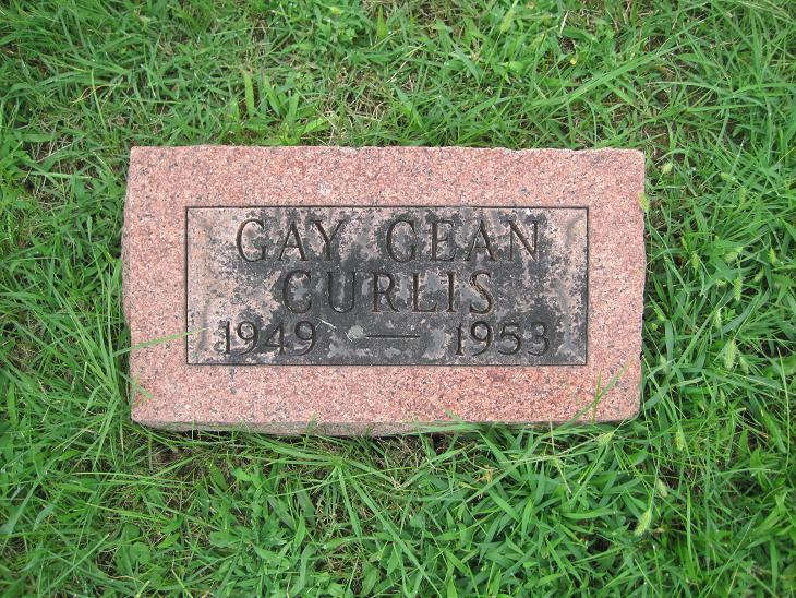Gay Gean Curlis Gravestone