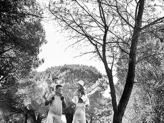 Photographe de famille Fréjus Saint-Raphaël : une séance nature sous les pins