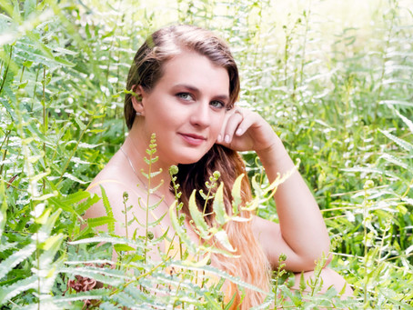 Kayla's Simple Session   The Newlywed