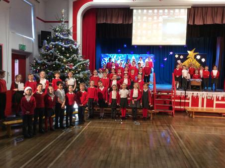 Year 3 Carols Around the Christmas Tree