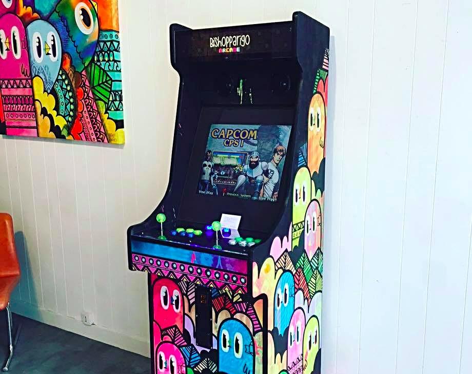 Borne arcade Bishop