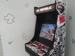 Borne arcade Street Art