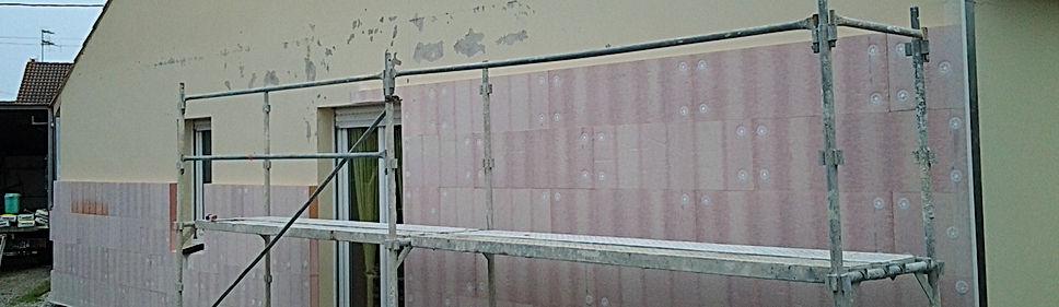 Isolation thermique par l'extérieur en cours de réalisation