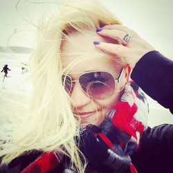 The beach is crazy crazy windy today!!! (Megs is running in the background!!!😉)) #dillionsbeachfore