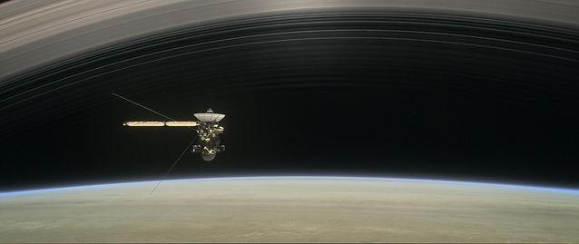 PIA22767-CassiniOrbitingSaturn-Grandfina