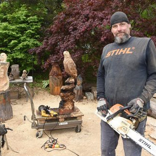 Photo shoot with the Poughkeepsie Journal (Dutchess County, NY). The eagle behind me was donated for a Fireman's Junior Corp fundraiser in Yorktown, NY. July 2017.  Photo by www.PoughkeepsieJournal.com
