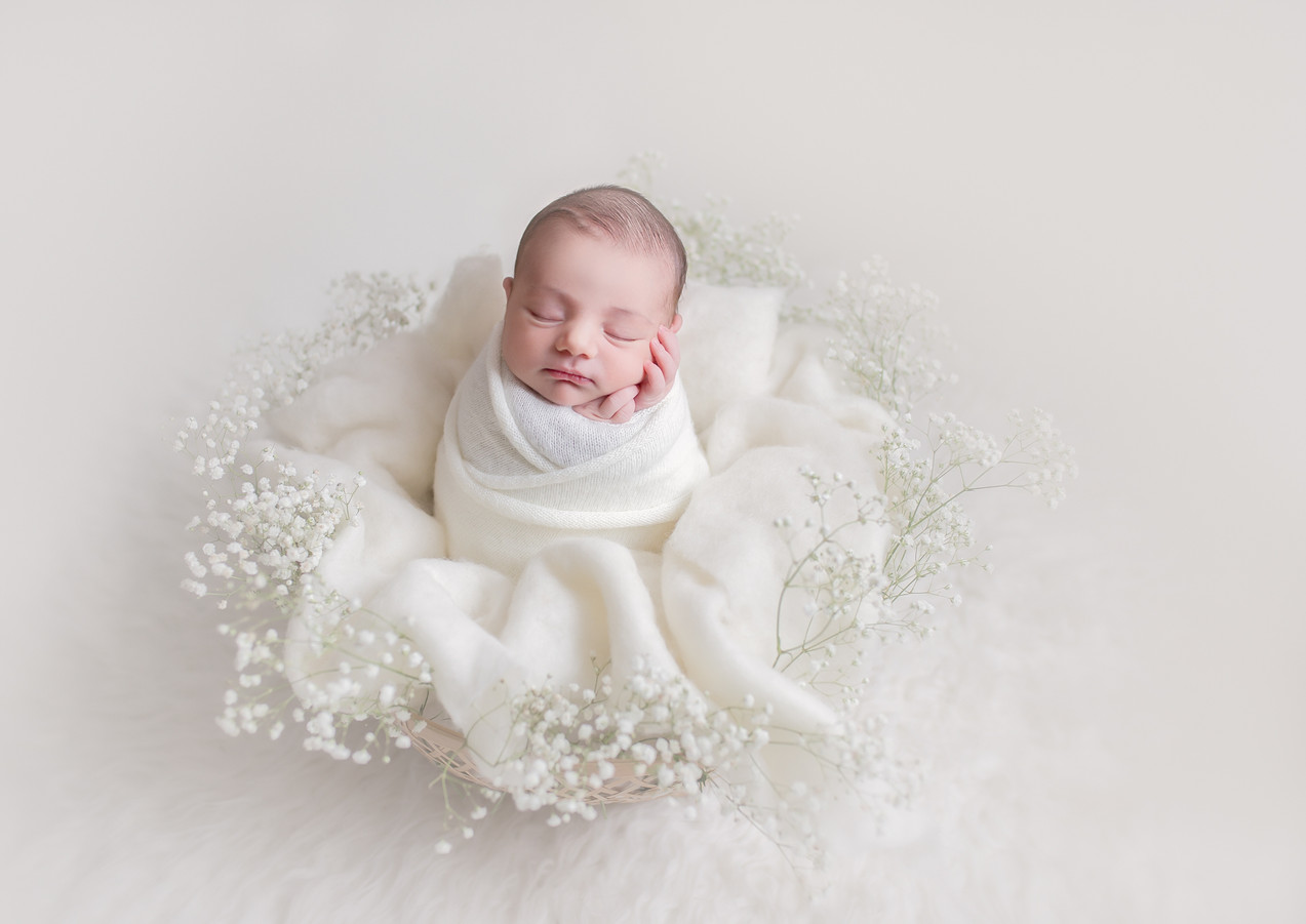 Newborn Photographer in North London