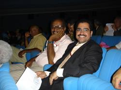 مع ممثل السودان في إحدى الحفلات