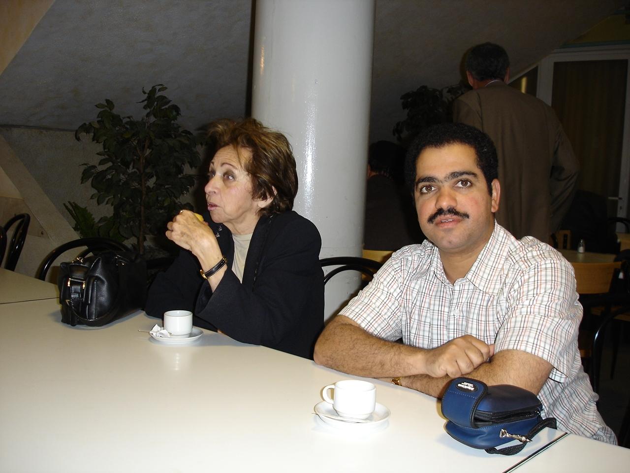 أحمد الغانم عضو لجنة الإنتاج  و د.رتيبة الحفني رئيسة المجمع في المؤتمر 18 ، بالكسليك ،لبنان