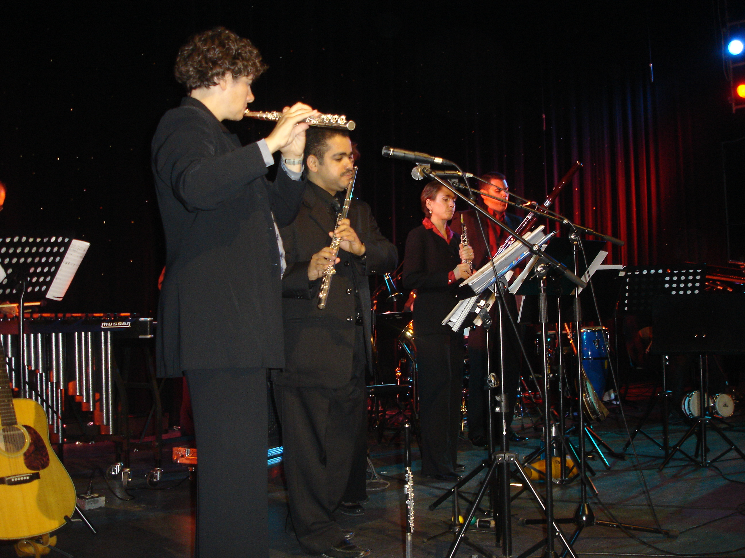 with amarican Band 22-5-2009