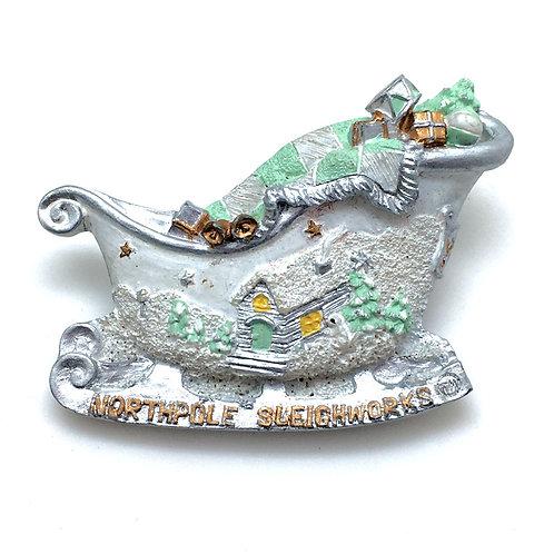 Snowy North Pole Sleigh Pin •  53x37mm • 39100RN-5337SNOW | Smoky Mountain Beads