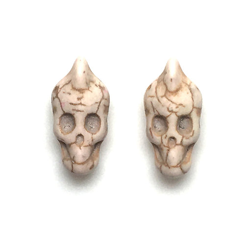 Magnesite Mohawk Skull Beads • White (D) • 11x21mm (2) • SKULL-MO-1121WH | SmokyMountainBeads.com