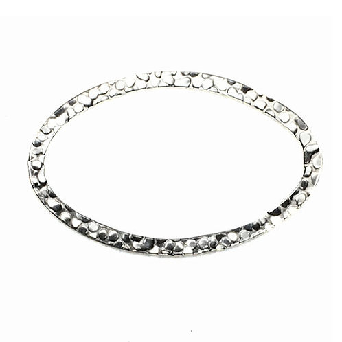 Hammered Oval Link • 28x18mm • Silver-Plated •  33LINK-692818-11 | SmokyMountainBeads.com
