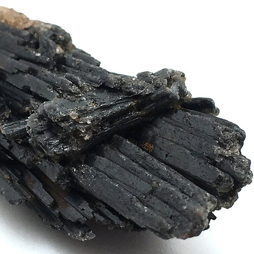 90100KYBBF Black Kyanite Fan 13.5 grams ~ 60x19x14mm