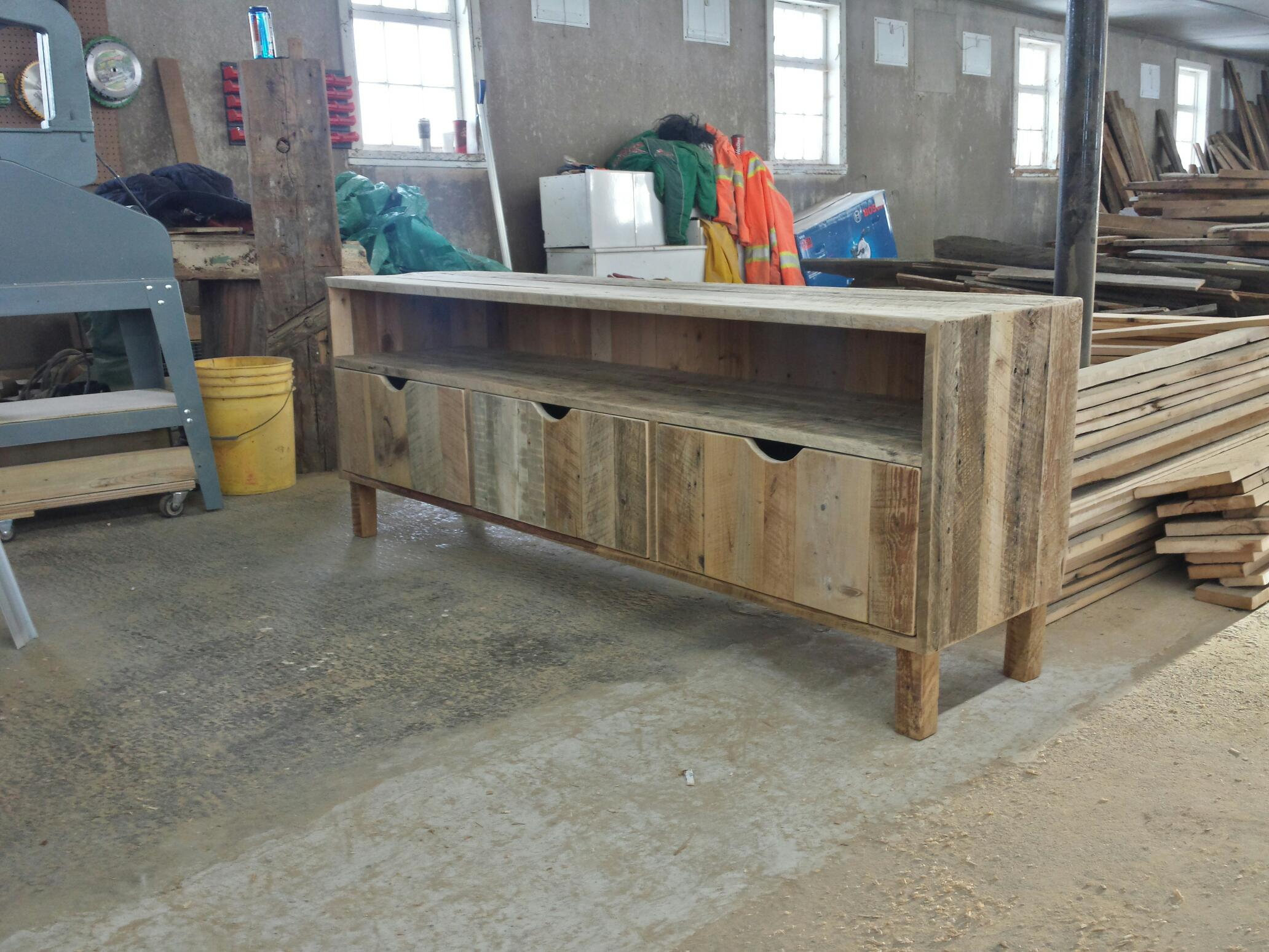 Meuble en bois massif sur mesure qu bec rustik meubles for Meuble avec bois de grange