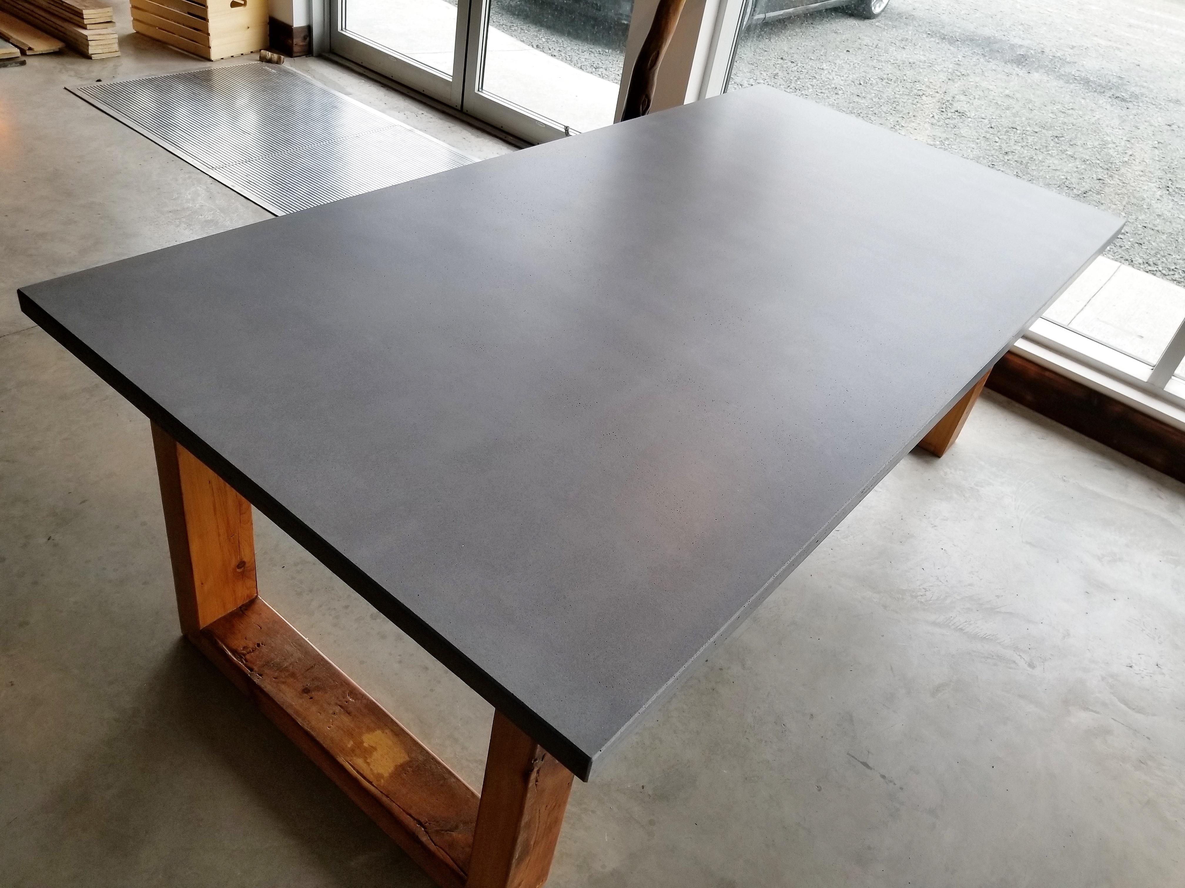Tables, bars, comptoirs et îlots | Granby | Rustik Meubles & Design