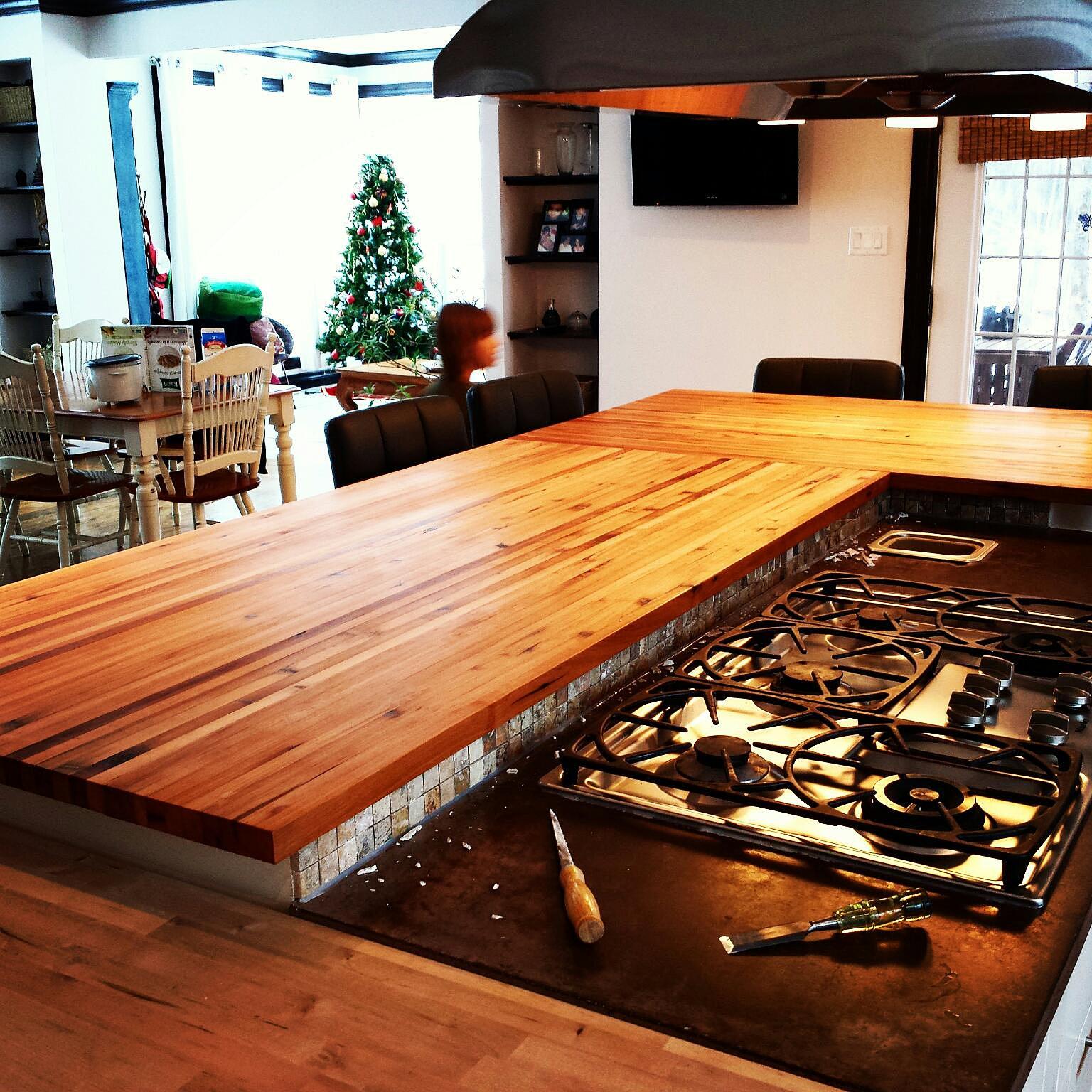 comptoir de cuisine en bois rustique id e inspirante pour la conception de la maison. Black Bedroom Furniture Sets. Home Design Ideas